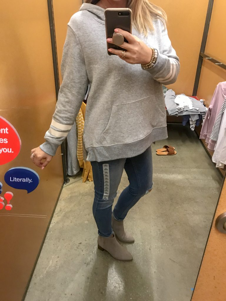 relaxed pullover sweatshirt in grey