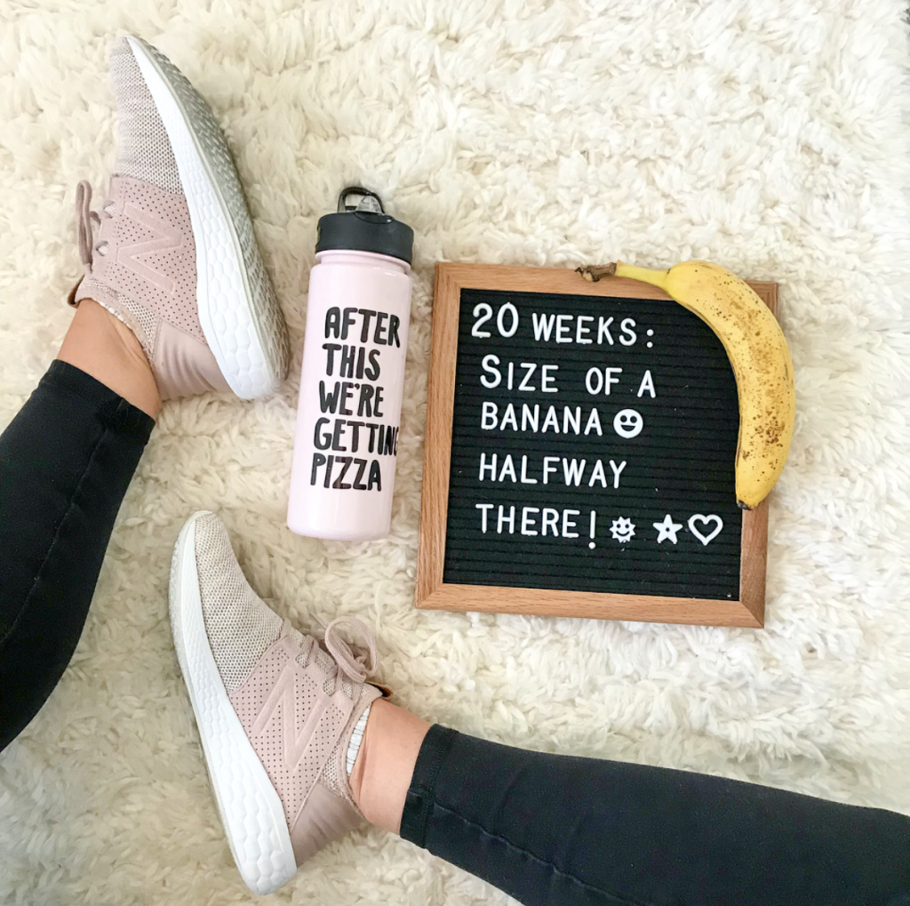 20 weeks pregnant bumpdate sign