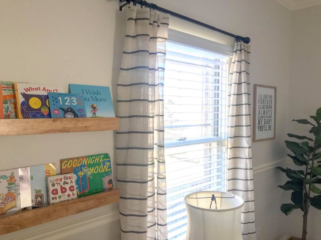 baby nursery_book ledges
